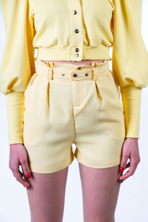 shorts giallo pastello